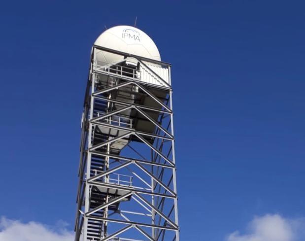Imagem da torre do sistema RADAR instalado em Porto Santo