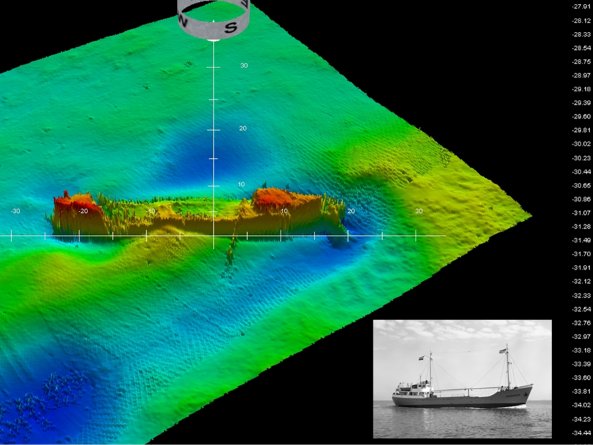 "Figure 4-Screen copy image, unprocessed data from a ship sunk in the Tagus river obtained by the multibeam rig. Bottom right, Archive photo of the ship (""Pegasus"", 46m, sunk in 1966)."
